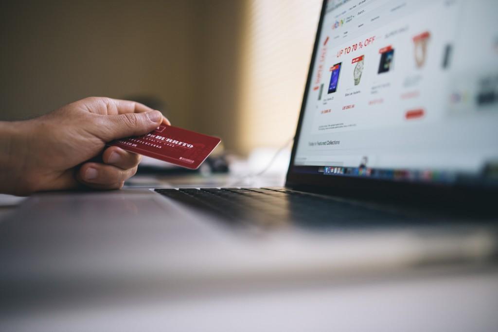 metode pembayaran yang mudah - kartu kredit