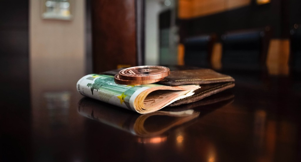 bawa uang secukupnya - modal usaha - Pinjaman Jangka Panjang - tips investasi untuk PNS