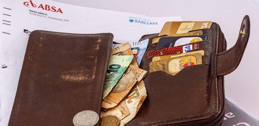 tips mengeloa pinjaman - dana pinjaman - 5 Benda di Dalam Dompet yang Sebenarnya Tidak Perlu Anda Bawa - sistem cashless