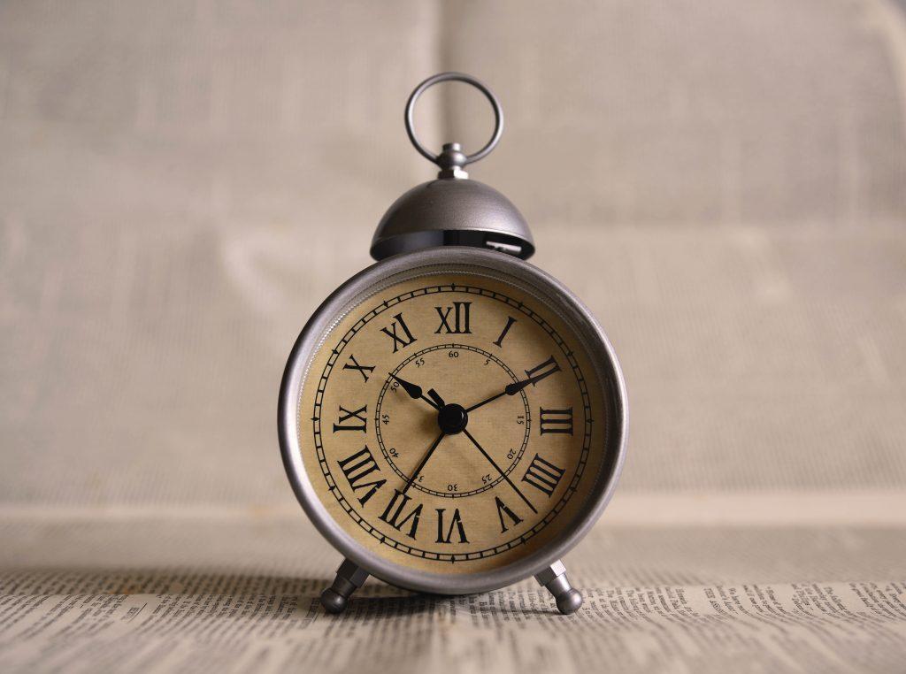mitigasi risiko - credit score - cara mengatur waktu - waktu produktif - Sukses Berkat Pendekatan 5 Jam ala Michael Simmons, Apa Itu?