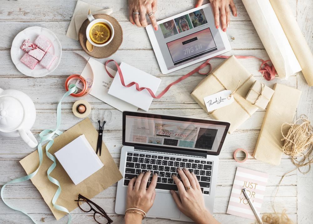 membangun brand bisnis - Kerja Sampingan untuk Introvert