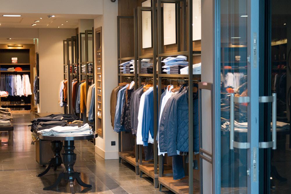 Tips Agar Bisnis Anda Diserbu Konsumen - baju mahal