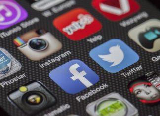 media sosial - 6 Cara Upgrade Keuangan Lewat Media Sosial, Pernah Memikirkannya?-digital marketing-tips membuat cv