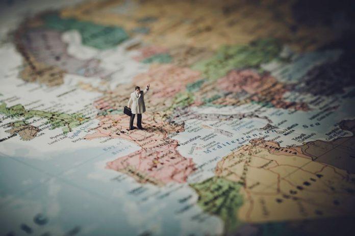 traveling gratis - tour guide - jalan jalan