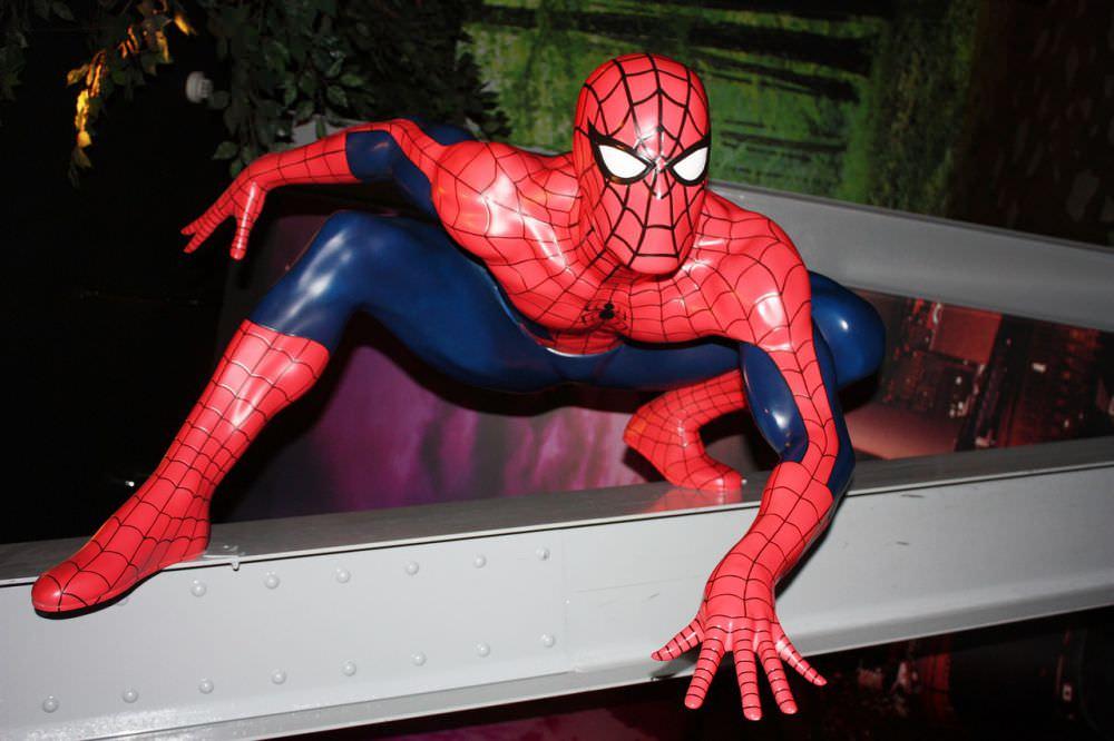 cara mengelola uang ala superhero - spiderman
