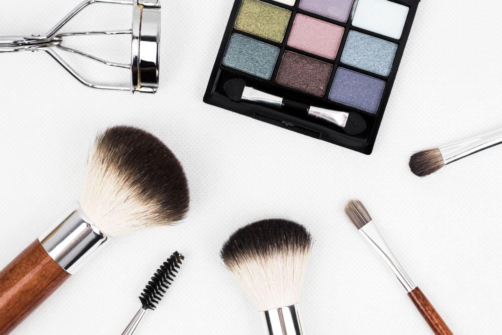 sikat makeup
