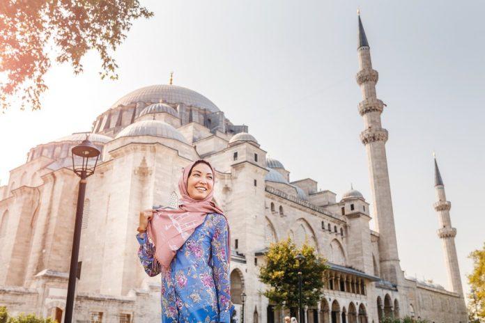 menghadapi bulan ramadhan - usaha di bulan ramadan - 5 Tips Meningkatkan Omzet Bisnis Busana Muslim Jelang Lebaran - ide bisnis idul adha