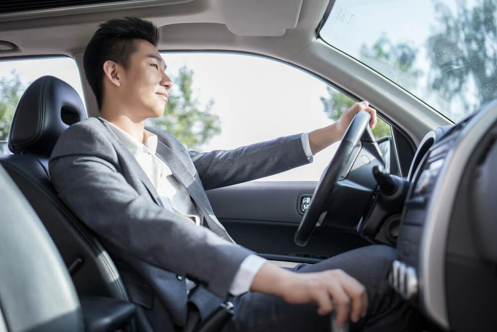 Jangan Terburu-Buru! 6 Pertimbangan Sebelum Membeli Mobil