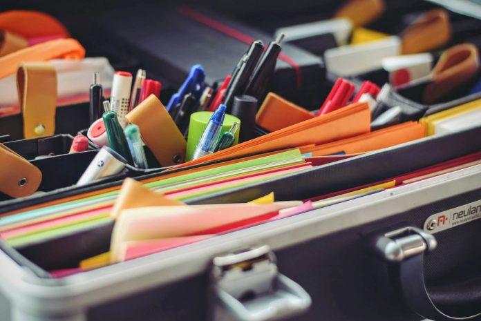 7 Tips Menghemat Uang Saat Membeli Peralatan Kantor
