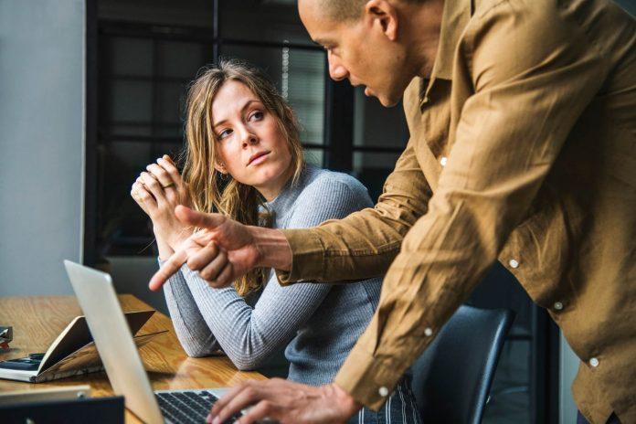 7 Tips Menghemat Uang Saat Membeli Peralatan Kantor (11) - 4 Cara Menghadapi Orang yang Ingin Menghentikan Ambisi Anda