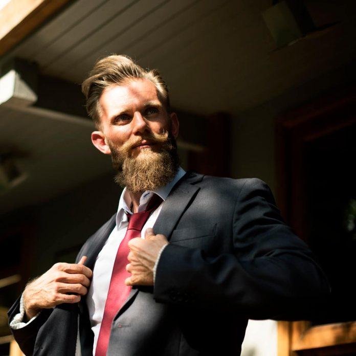 7 Tips Menghemat Uang Saat Membeli Peralatan Kantor - 5 Manly Guide yang Bermanfaat untuk Menghemat Pengeluaran Bulanan Anda