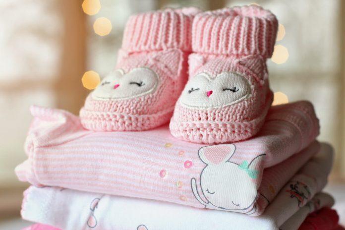 Biaya Terbesar di Tahun Pertama Kelahiran Bayi - pakaian anak pakaian bayi