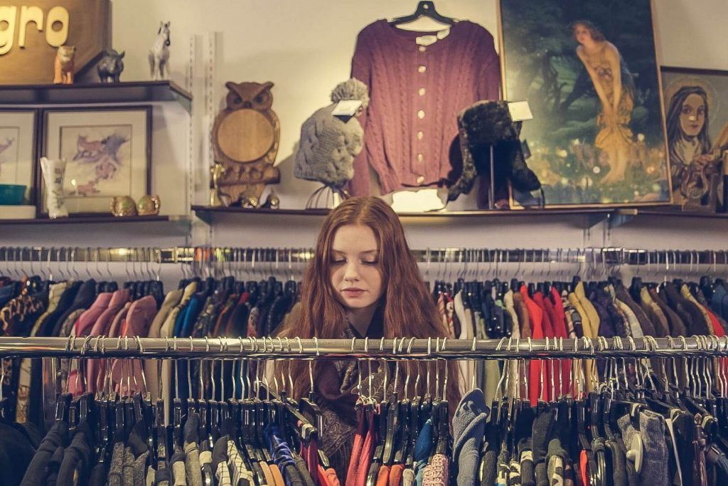 Cara Cerdas Menghemat Anggaran Belanja Pakaian