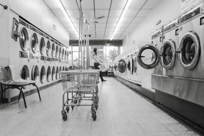 Cara Cerdas Menghemat Anggaran Belanja Pakaian (1)