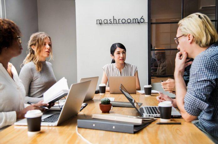 4 Langkah Menjadi Bos yang Baik Agar Para Karyawan Betah Bekerja
