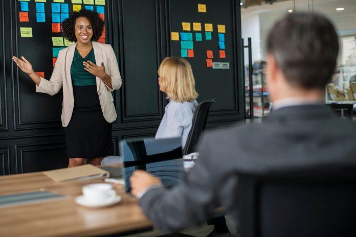 7 Alasan Mengapa Anda Perlu Meningkatkan Keterampilan Berkomunikasi, Ada Banyak Manfaatnya!