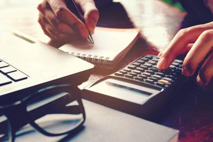 Sumber Modal yang Tepat Untuk Bisnis Kamu: Dana Pribadi atau Investor?