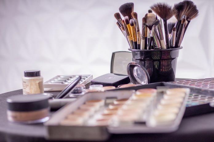 5 Alasan Kenapa Makeup Artist adalah Profesi Menjanjikan di Masa Depan