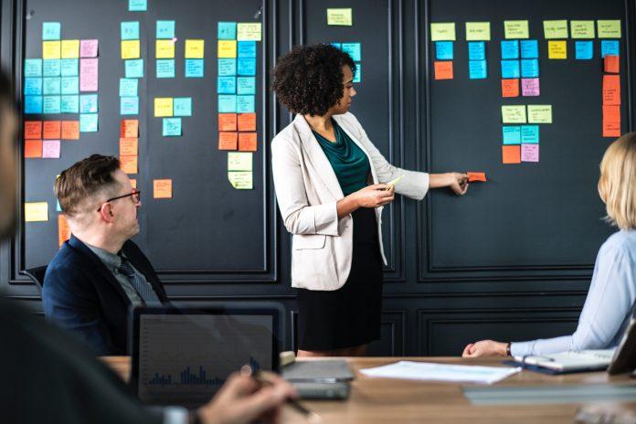 6 Tips Agar Anda Bisa Memberikan Presentasi Secara Profesional