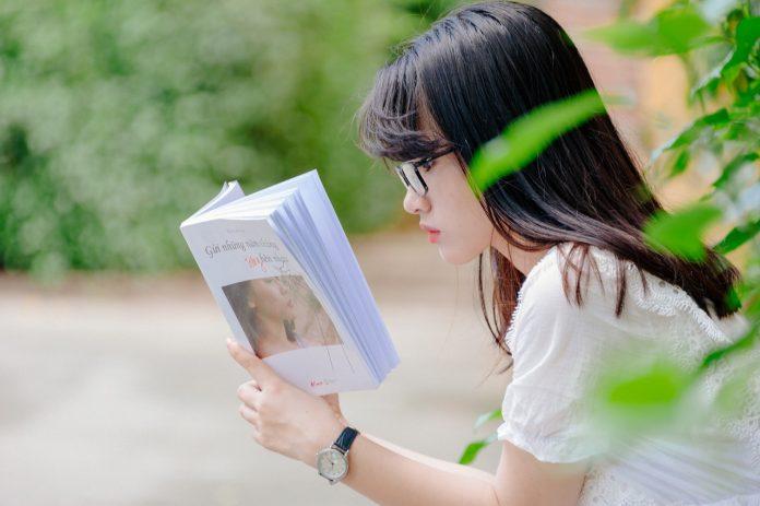 7 Alasan Mengapa Pengajuan Aplikasi Beasiswa Gagal, Jangan Berhenti Mencoba! (5) - Pintar Bahasa Inggris: Belajar Otodidak atau Ikut Kursus? - Manfaat Terus Belajar dan Cara Menjadi Pembelajar Hebat