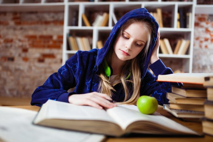 7 Alasan Mengapa Pengajuan Aplikasi Beasiswa Gagal, Jangan Berhenti Mencoba! (6) - Mau Jadi Pribadi yang Lebih Baik? Ayo Terapkan 6 Kiat Cerdas Berikut Ini - 5 Cara Menghilangkan Rasa Malas Belajar