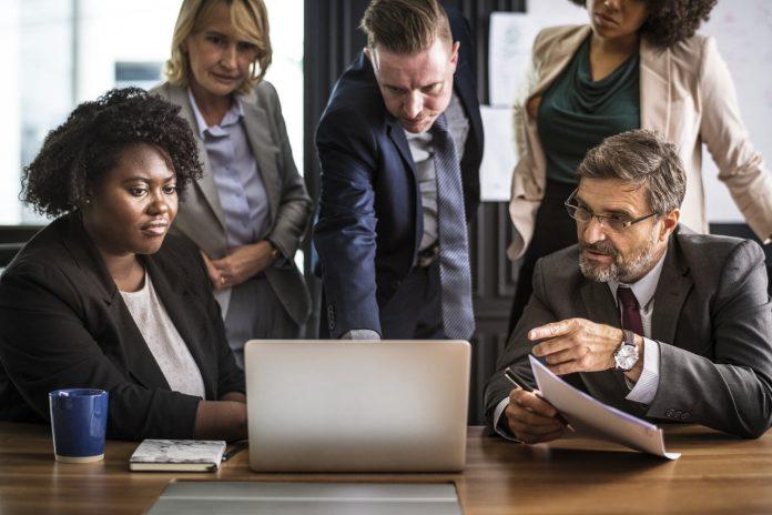 Komunikator Hebat dan Luar Biasa Pasti Memiliki 5 Kualitas Berikut - Jangan Menjadi Rata-Rata, Ini 3 Langkah Mengasah Keterampilan Diri - 5 Gaya Kepemimpinan Para Leader Sukses, Apakah Anda Menerapkannya?