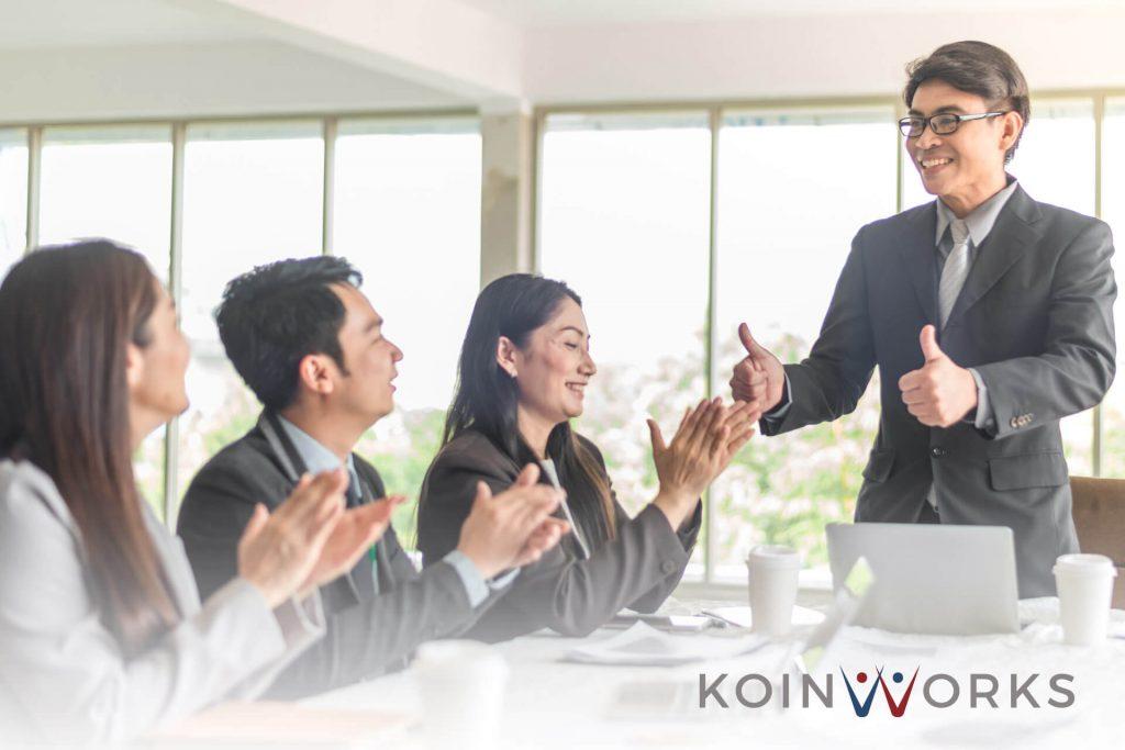 mendapatkan promosi di tempat bekerja - 5 Cara Menggunakan Gestur Tangan Saat Sedang Presentasi, Ini Cara Memulainya! (1) - 3 Teknik Memperbaiki Keterampilan Berbicara di Depan Umum - Mengapa Belajar Bersama Mentor akan Memberikan Manfaat Lebih Banyak? - 5 Skill Komunikasi yang Wajib Dimiliki Seorang Pemimpin di Bidang Apapun