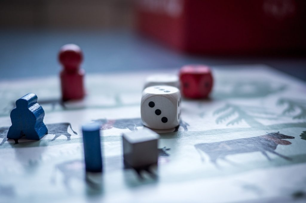 Menikmati Permainan Papan membantu anak mejadi lebih cerdas