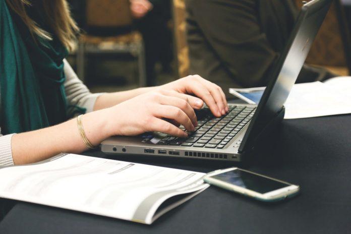 Tambah Penghasilan dengan 5 Kerja Sampingan untuk Mahasiswa Ini
