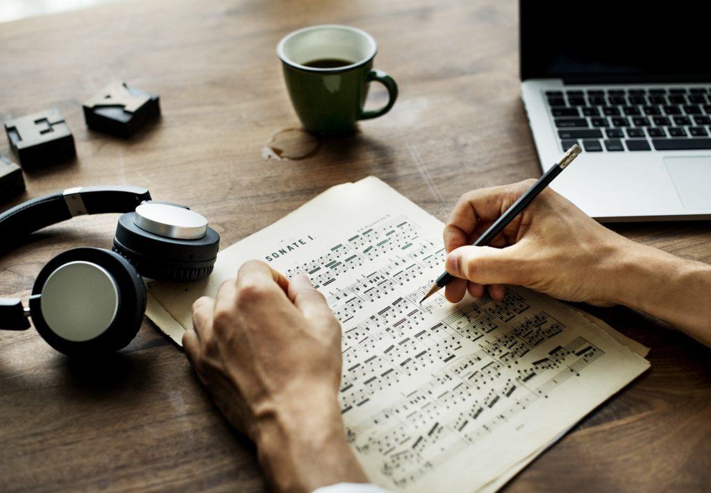 8 Manfaat Tak Terduga Saat Mempelajari Instrumen Musik