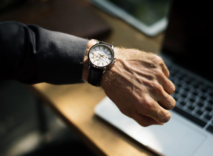 Banyak Orang Kaya Menyesali 4 Pembelian Besar Ini, Apa Saja - jam tangan