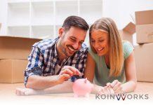 pasangan - pernikahan - investasi - nabung - Berbicara tentang Keuangan dengan Orangtua Itu Penting, Ini 5 Langkahnya - menikah di gedung atau rumah-uang - pasangan - kaya - sukses - senang - - 4 Money Move yang Bisa Dilakukan Saat Akhir Pekan - 5 Pencapaian Keuangan yang Perlu Dilakukan Anak Muda Sedini Mungkin - 3 Kesalahan Finansial Anak Muda yang Wajib Dihindari - Aturan 10% yang Perlu Diterapkan untuk Meningkatkan Kekayaan-Cara Pintar Mengatur Keuangan Rumah Tangga untuk Pasangan Baru