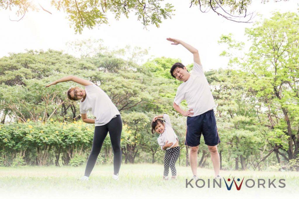 anak - keluarga - olahraga - sehat - bahagia - 5 Gaya Hidup Hemat Biaya yang Bisa Meningkatkan Harapan Hidup Seseorang