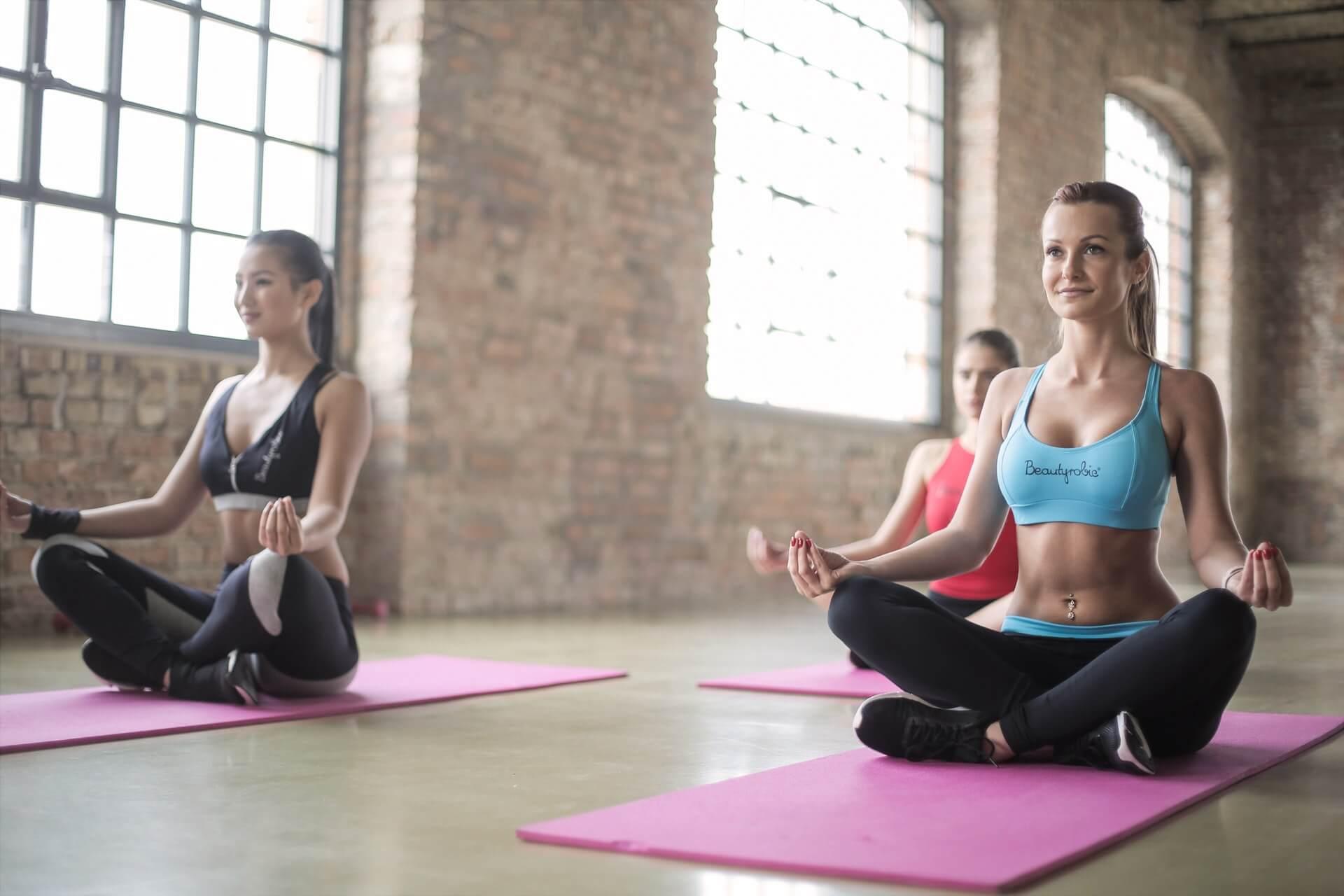 Bagaimana Latihan Yoga Bisa Mengajarkan Anda tentang Uang