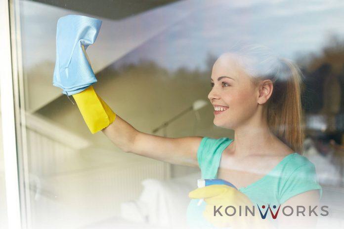 membersihkan jendela - perempuan - kain lap
