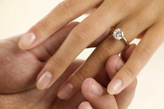 ide-usaha-unik-jasa-cincin bekas