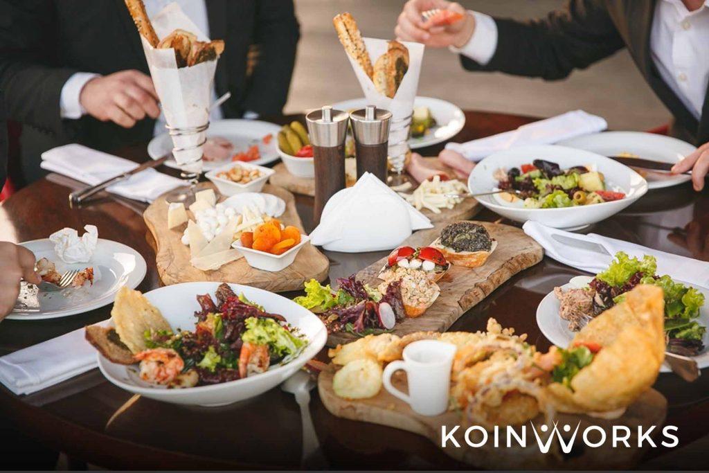 Makan Siang di Kantor, Lebih Hemat Masak Sendiri atau Beli?