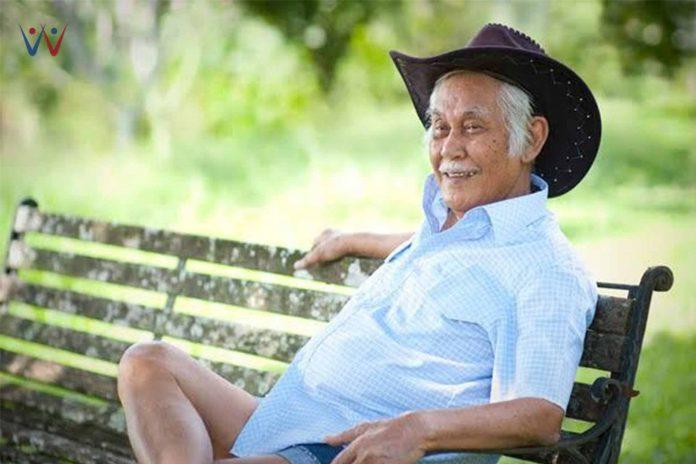 Kisah Pengusaha Sukses, Bob Sadino, yang Memulai Usahanya dari Nol