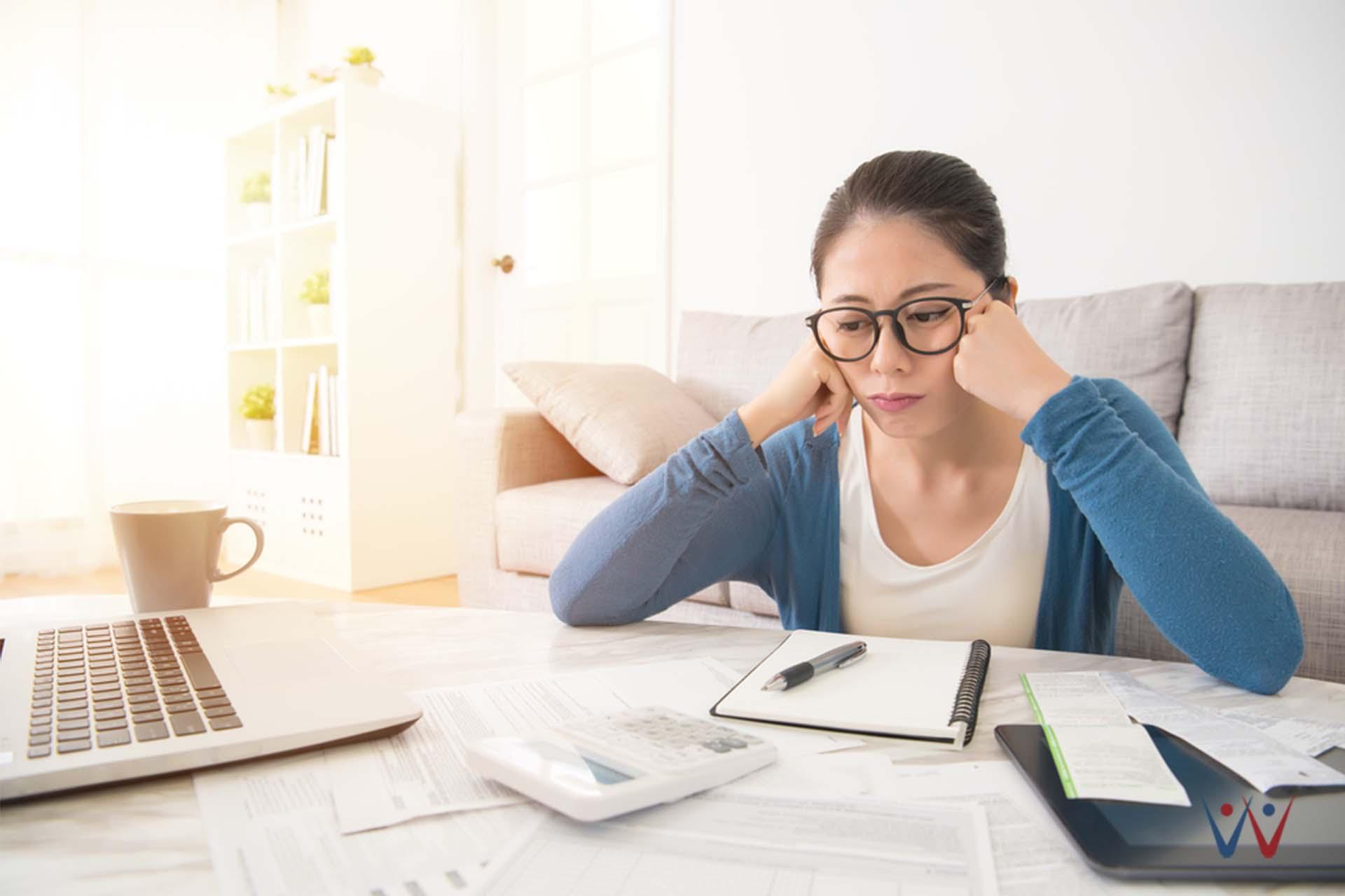 nasihat keuangan - utang - bingung - tagihan - manajemen keuangan