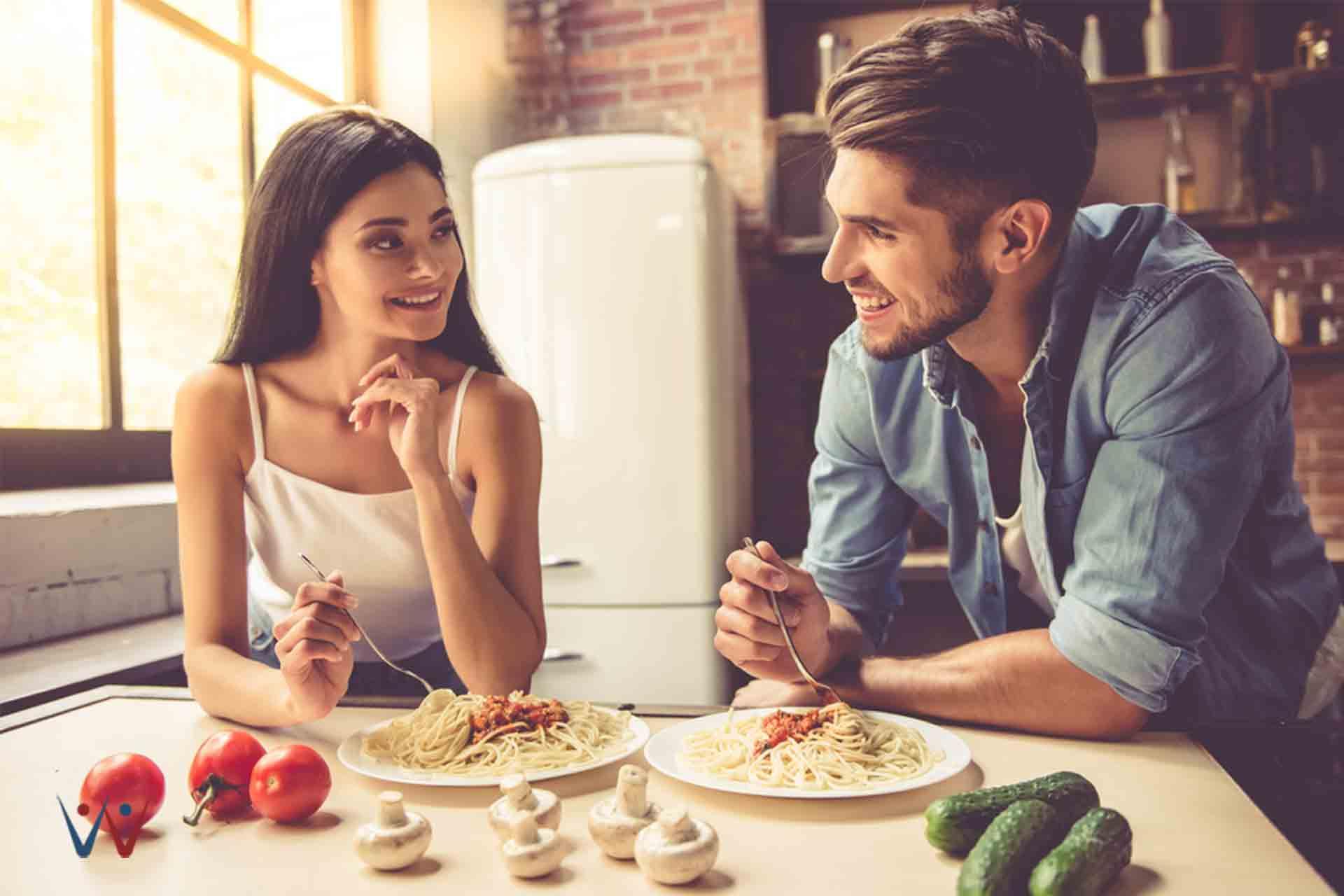 makan malam romantis - Selain Coklat, Ini Hadiah Valentine Hemat Budget yang Cocok Buat Pasangan Kamu!